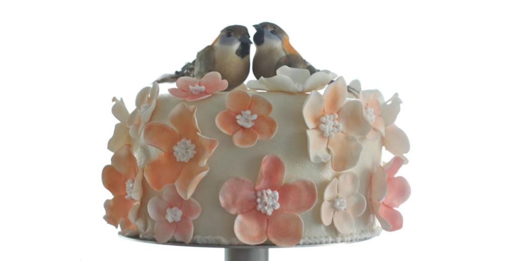 bruidstaart met vogels